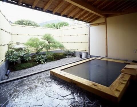 京都 旅館 宿泊 大原温泉 芹生 お風呂