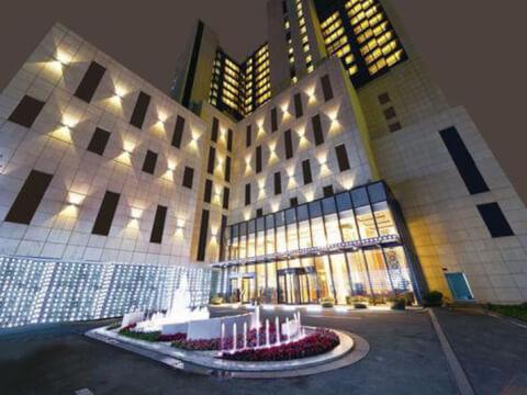パラマウントホテル