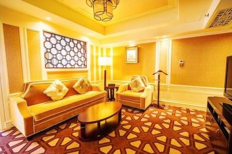 パラマウントホテル客室2
