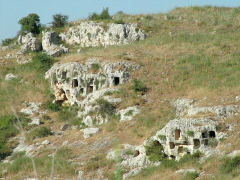 パンターリカの岩壁墓地遺跡