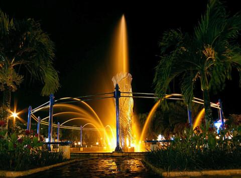 バリックパパン インドネシア ボルネオ島