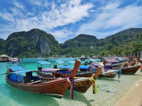 ピピ島 タイ アイランドホッピング ボート