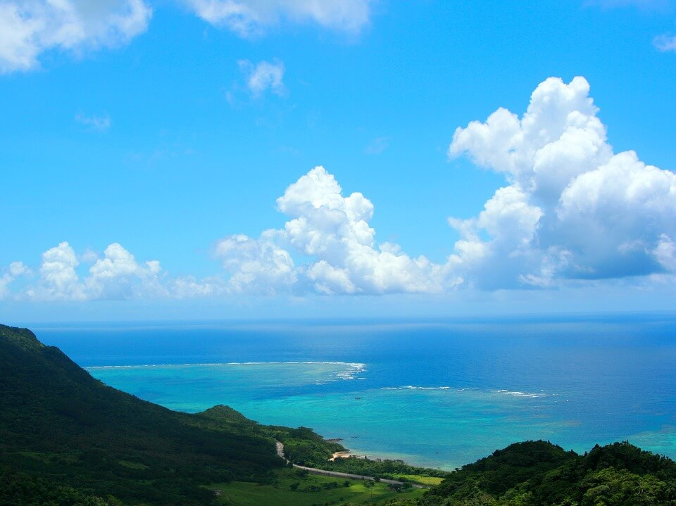 2035fbd18d 日本の離島10選。原生林から透き通る海まで離島で大自然を満喫しよう ...