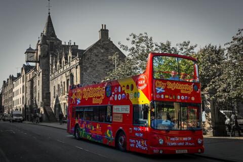 スコットランド 観光 エディンバラ ロイヤルマイル 旧市街 観光バス