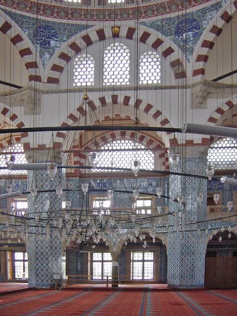 リュステムパシャモスク