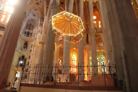 中央の祭壇