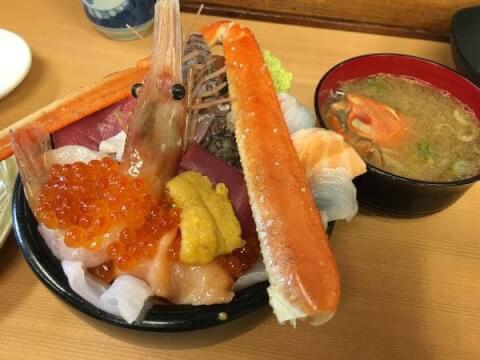魚屋の台所の海鮮丼