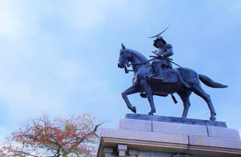 仙台城:伊達政宗の騎馬像
