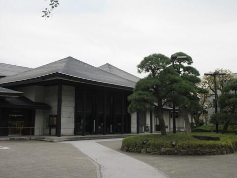 千駄ヶ谷の国立能楽堂