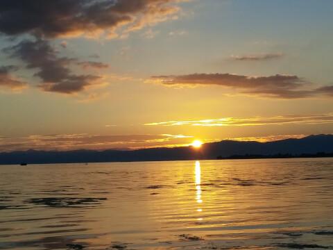 琵琶湖に沈む夕陽