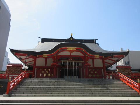 花園神社本殿