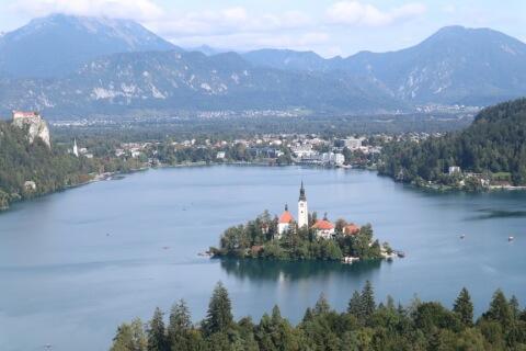 ブレッド湖上からの景色
