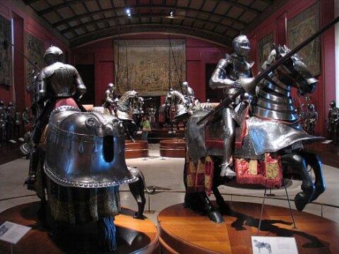 王立武具博物館