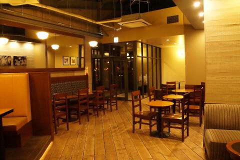 Starbucks-Hakodate2