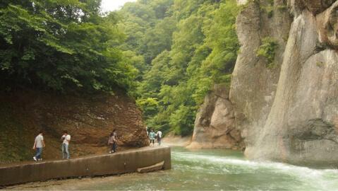 滝吹割の滝遊歩道