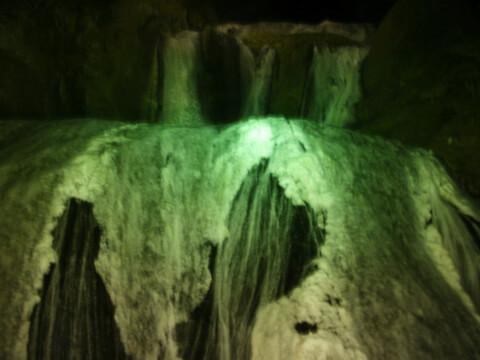 滝袋田の滝氷爆