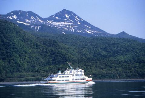 滝オシンコシン観光船