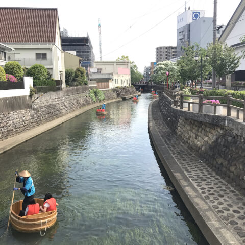 水門川のたらい舟