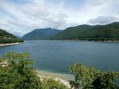 高山 御母衣湖