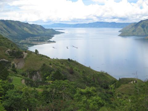 トバ湖 インドネシア 観光 カルデラ湖
