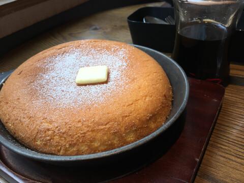 本と珈琲 梟書茶房のパンケーキ