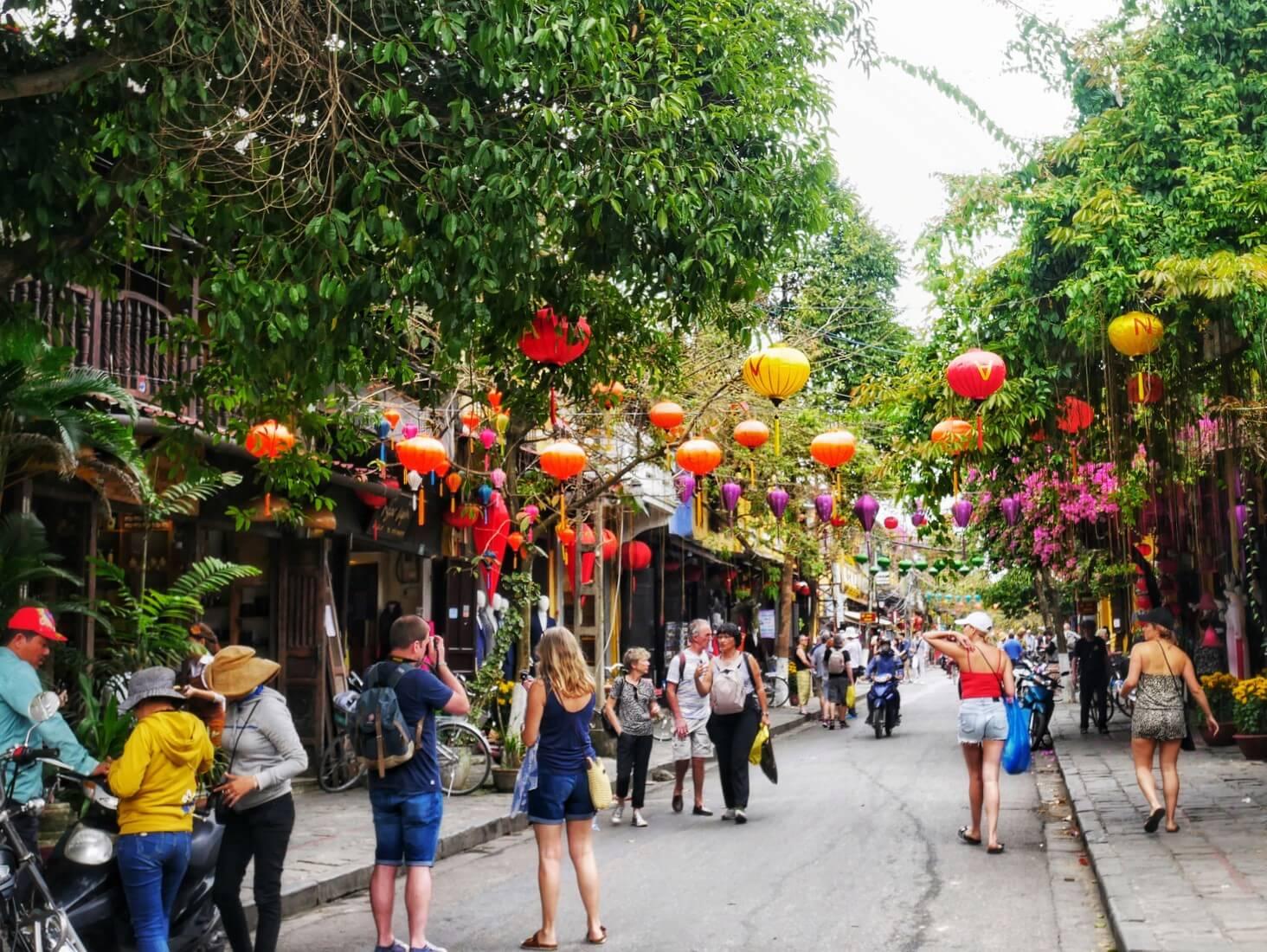 ベトナムの観光名所15選!ハノイ・ホイアン・フエなど都市別に人気の ...