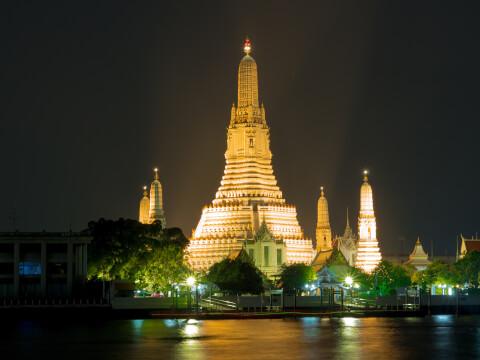 ワット・アルン 夜景 バンコク タイ