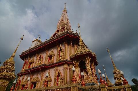 ワット シャロン寺院