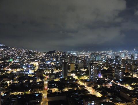 メデジン 夜景 コロンビア 観光