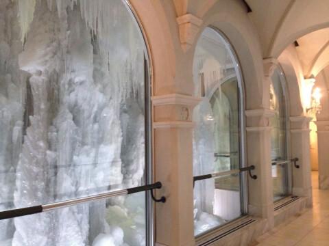 雪の美術館 回廊