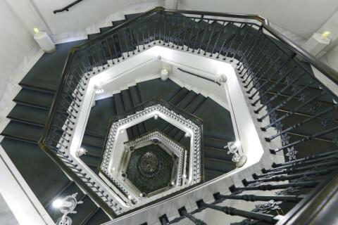 雪の美術館_螺旋階段_旭川