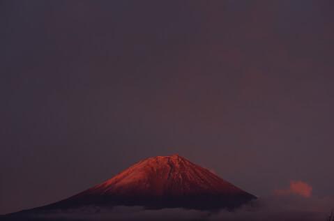 日本 絶景  富士山 紅富士