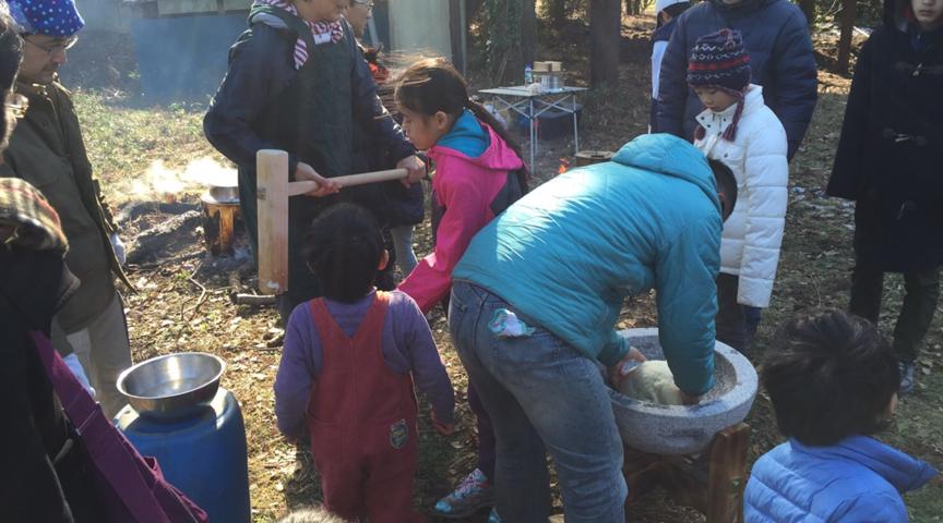 【神奈川県横浜市】3000坪の広大な山林で餅つき&ピザ作り体験