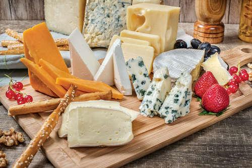 ワインをよりおいしくするチーズとの素敵な関係