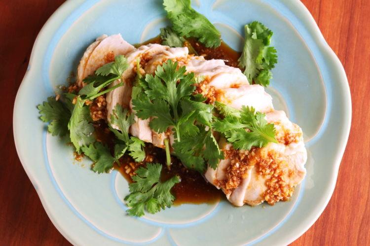 一度で二度おいしい! 人気の中華おつまみを家飲みで「よだれ鶏」