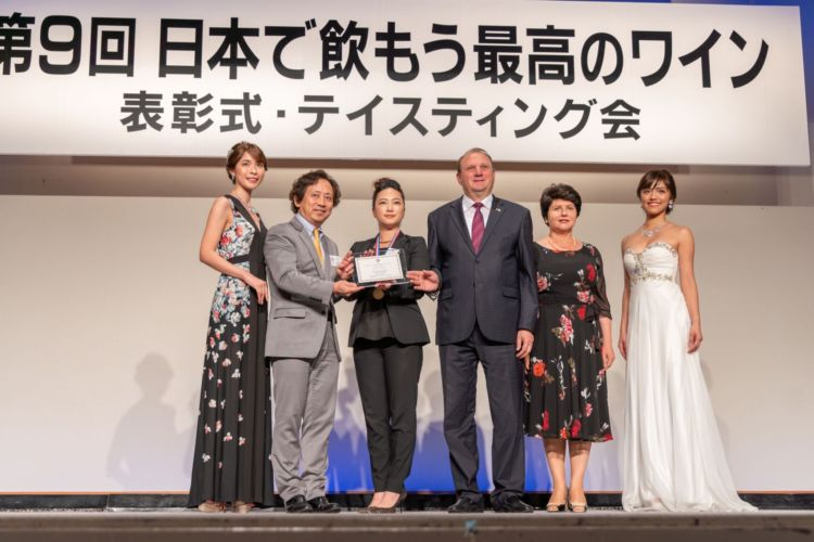 「日本で飲もう最高のワイン2019」で、東欧・モルドバ共和国のワインが2部門を受賞!