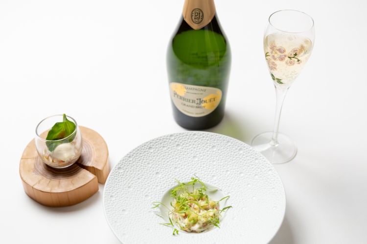 シャンパーニュメゾン「ペリエ ジュエ」が、美食の巨匠ピエール・ガニェール氏とコラボレーションを実施