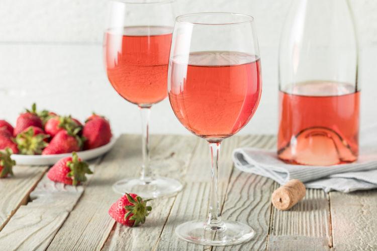 ロゼワインはワインの本場でも人気! その魅力とたのしみ方を知ろう