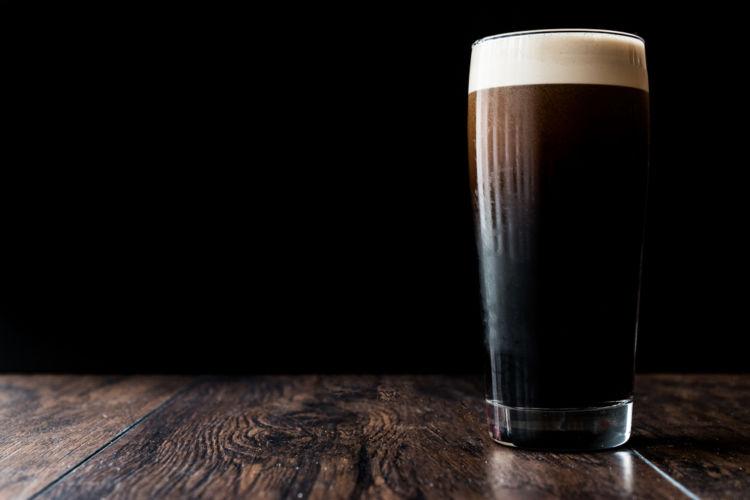 「スタウト」は地ビールやクラフトビール好きにも人気のビアスタイル