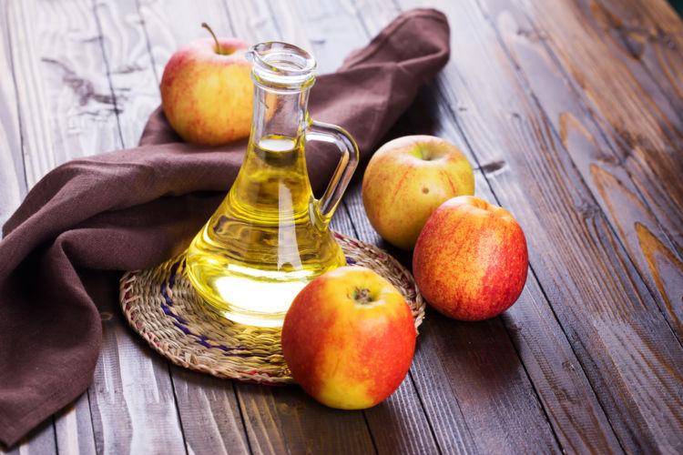 焼酎のリンゴ酢割りは、一度飲んだらクセになる、女性に人気のカクテル