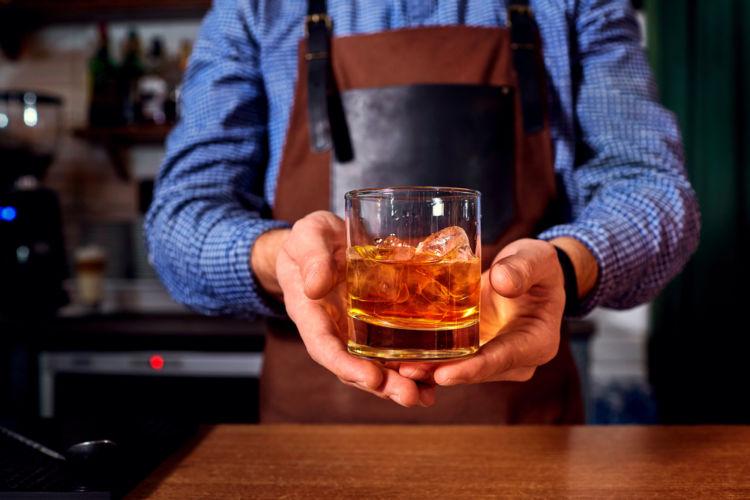 「スモールバッチ」は高品質なウイスキーの証? 【ウイスキー用語集】