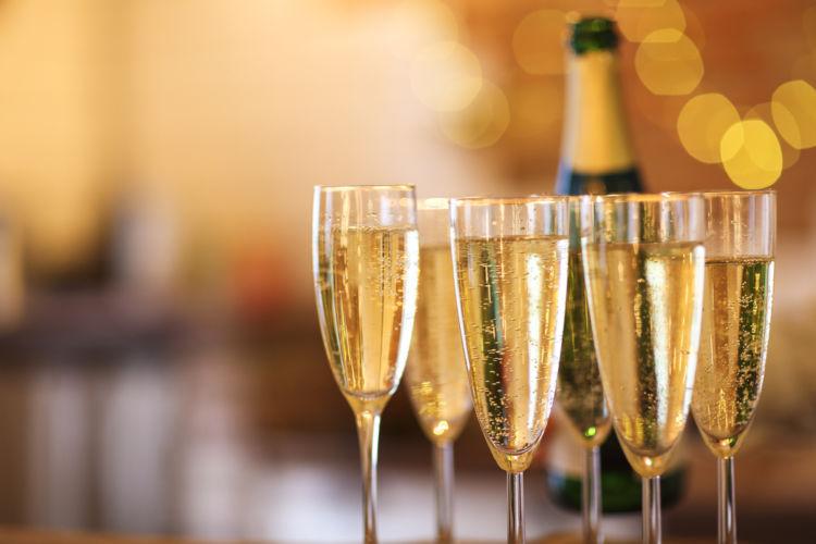 シャンパン(シャンパーニュ)人気の理由と背景に迫ってみた