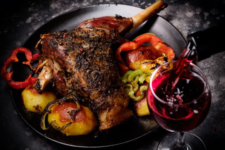 肉料理に合うワインはこう選ぶ! マリアージュのポイント