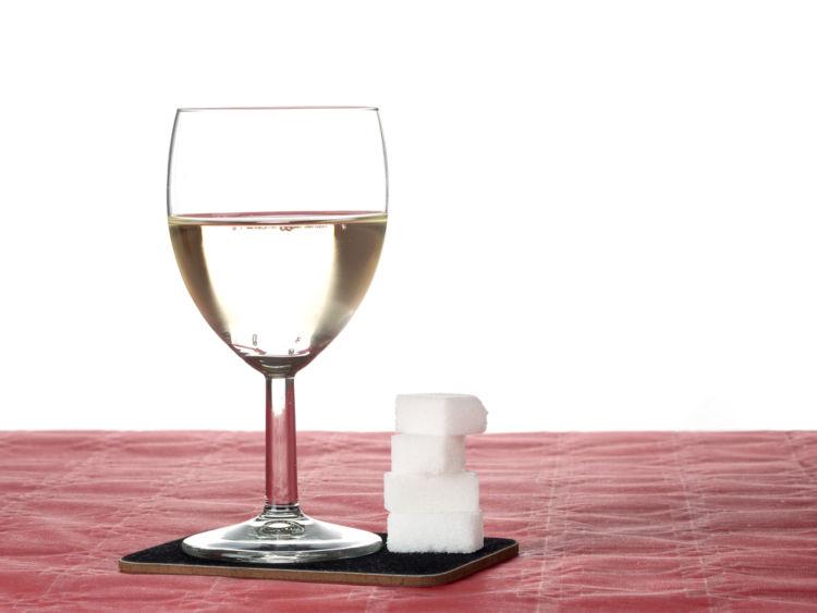 ワイン造りで加糖する「補糖(シャプタリザシオン)」の目的は?