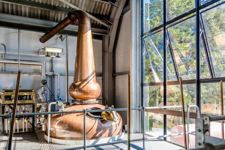 単式蒸溜器がウイスキーの伝統製法と呼ばれる理由は?【ウイスキー用語集】