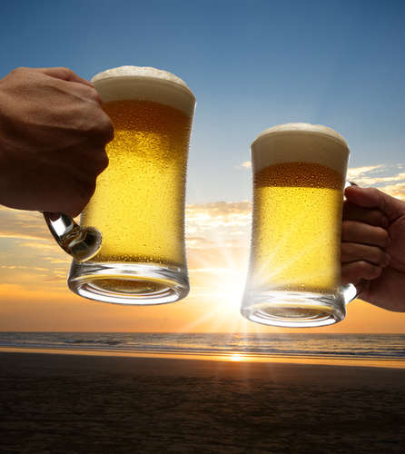 美味しいビールを楽しむために!クリーミーな泡を作る注ぎ方とは?