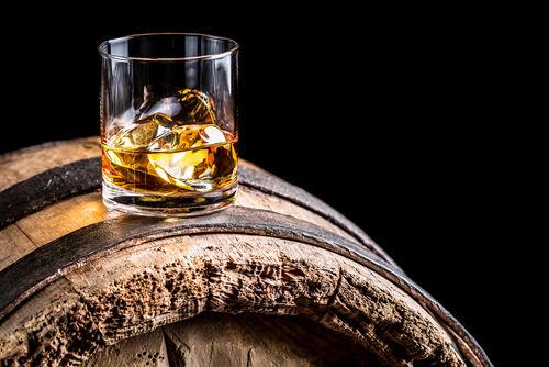 ノンエイジウイスキーは長期熟成のウイスキーより劣る?