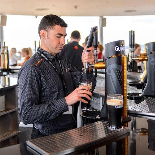 黒ビールといえばアイルランド!まずはアイリッシュスタイル・ドライスタウトから