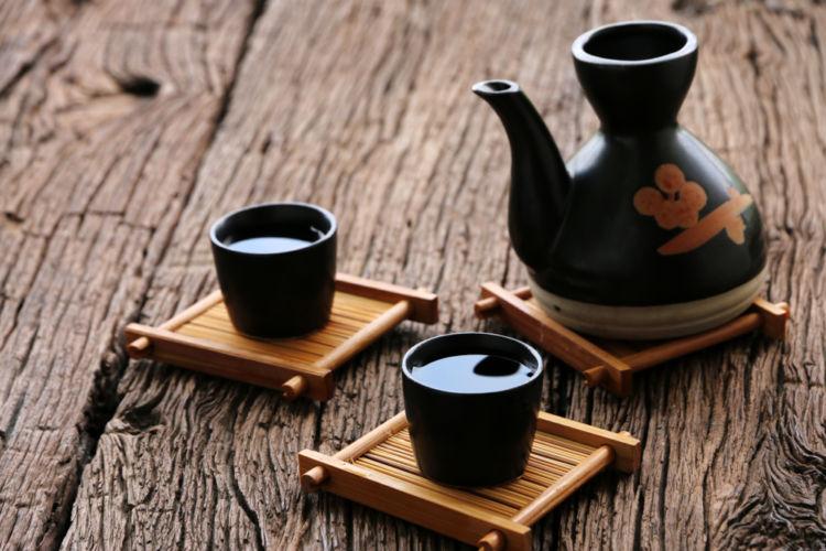 清酒と焼酎の違いとは? 原料から製法、たのしみ方まで徹底比較