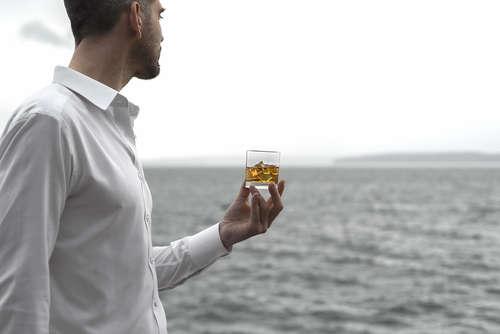 ウイスキーの原酒を扱うボトラーズブランドって何?